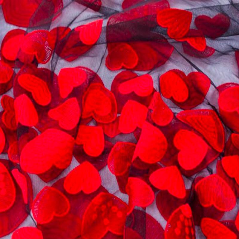 Tessuto Tulle Ricamato  Cuori Rosso